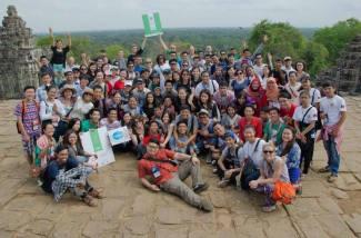 group photo at Angkor Wat